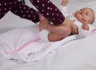 W czym powinien spać niemowlak